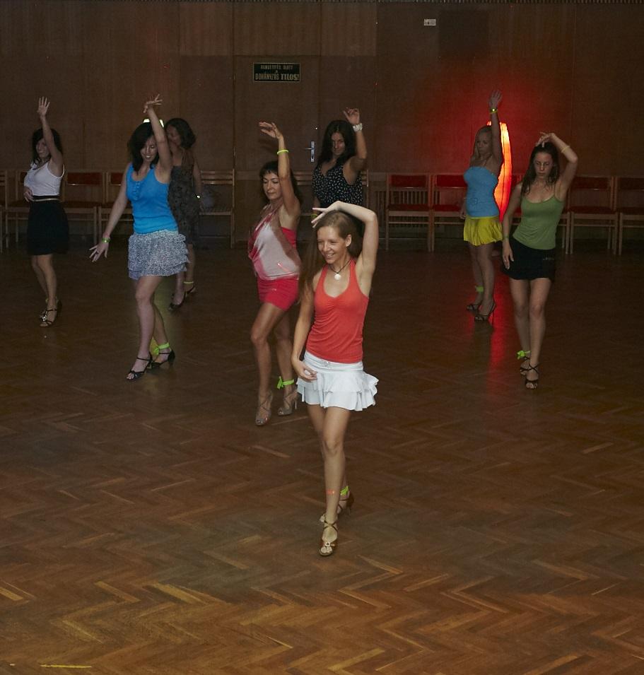 Bachata Akadémia Lady Style Tanfolyam